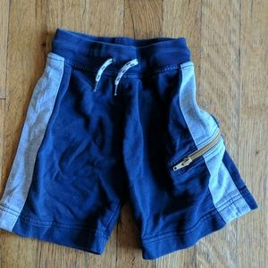 Hanna Andersson Boys shorts, size 90 (3)